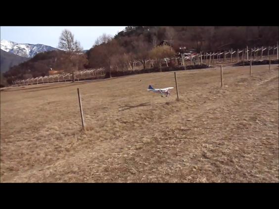 Il bellissimo atterraggio di Fabrizio con il suo Beaver